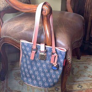 Dooney & Bourke Handbag never used